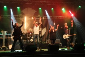 CROSSOVER OPEN AIR  am Aufstarten…